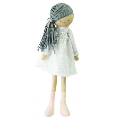 Megan Md – Szürke hosszú haj/ Fehér ruhában 80cm